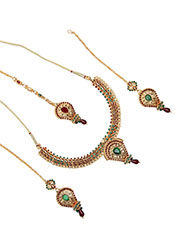 Classic Stones Enriched Necklace Set